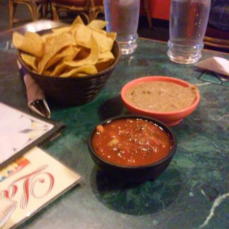 Burien, Вашингтон: Great chips and salsa