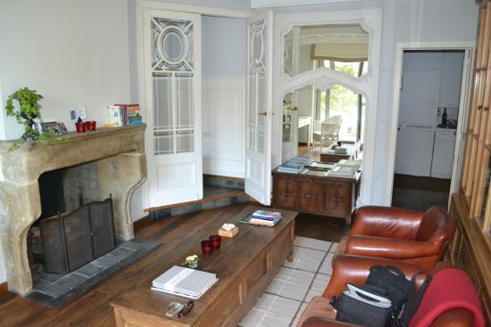 Number 11 Exclusive Guesthouse: Sitting area