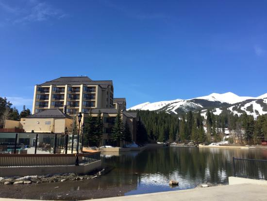 Marriott's Mountain Valley Lodge at Breckenridge : Hotel from the outside