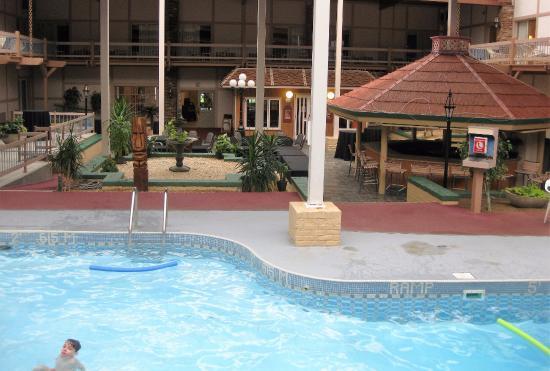 Aspire Gettysburg Hotel: Very nice pool area