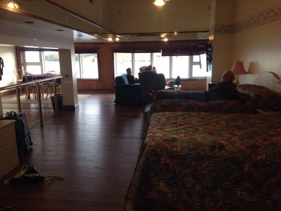 The Dockside Inn & Restaurant : Studio apartment, great for families