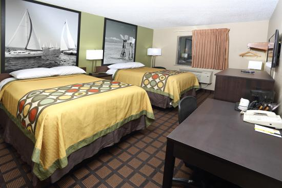 Super 8 Chesapeake: 2 Double Beds
