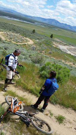 Eco Bike Adventures: Vista of Lost Sierra's