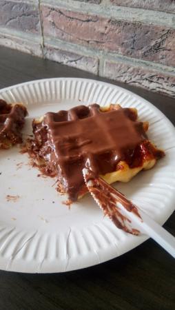 Eight and Three: Waffle com Nutela
