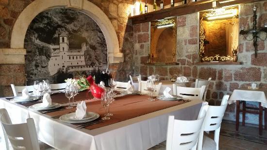 Przno, Montenegro: Restaurant R