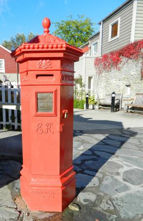 Arrowtown mail box