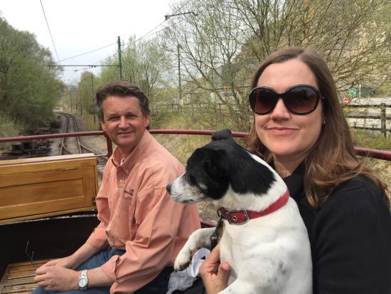 Matlock, UK: Eddie the Jack Russell Terrier gets a ride.