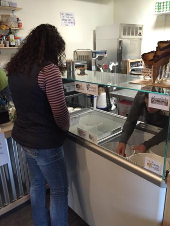 Gorge Ice Cream: Great Kombucha, many delicious flavors, friendly service, and yummy ice cream (Dairy Free). Favo