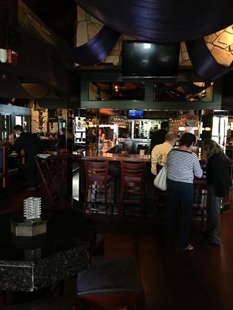 Sterling Heights, MI: Full bar