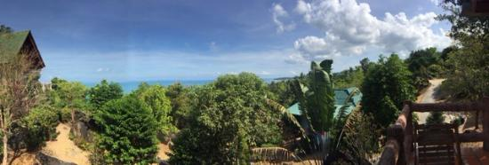 Stone Hill Resort: Awesome views from the private bungalows