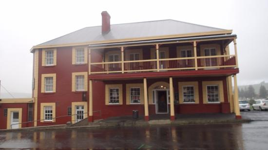 Stanley, Australien: Local hotel which does great meals and loads of atmosphere
