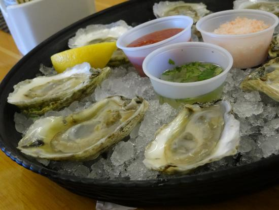 Southern Shores, นอร์ทแคโรไลนา: Oysters on the Half