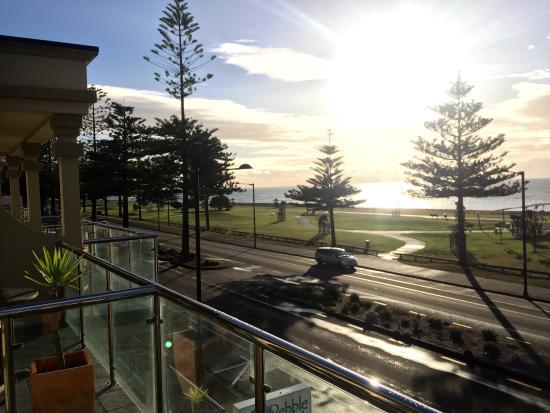Pebble Beach Motor Inn: photo1.jpg