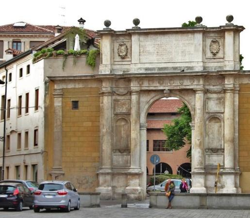 Arco Vallaresso