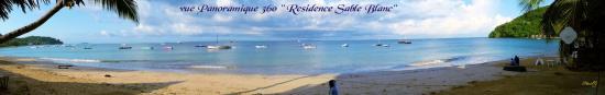 Hôtel-Résidence Au Sable Blanc : vue merveilleuse a 360° de notre chambre sur la plage Madirokely-Ambatoloak