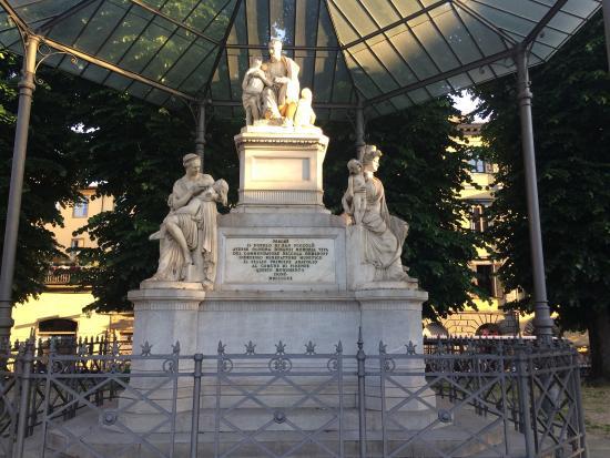 Piazza Nicola Demidoff