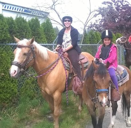 Pitt Meadows, Canadá: Hanif was happy to take pictures after the ride.