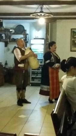 Shiroka Laka, Bułgaria: Spirit and cuisine
