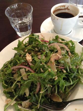 Faulconbridge, Australia: Rocket balsamic vinaigrette salad