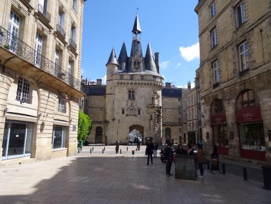 Porte cailhau maquette foto van porte cailhau bordeaux for Porte cailhau