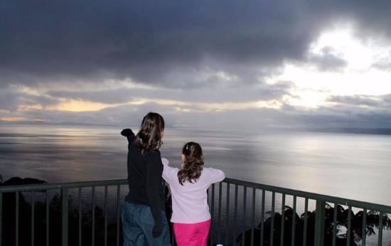 Turangi, Nueva Zelanda: Sunrise from Oreti village balcony.