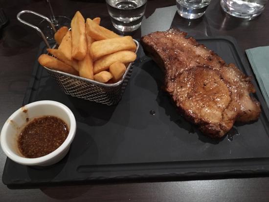 La Table du Boucher : Viande de bœuf et côte de porc