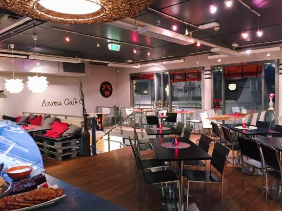 Floro, Norge: Holiday season at the café - fairy lights in tact!