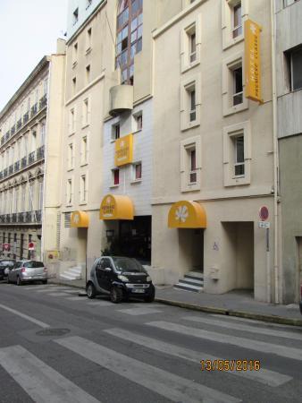 Facade De L Hotel Premiere Classe Marseille Centre Picture Of