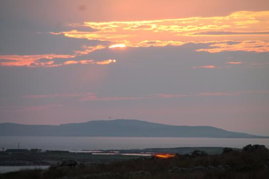 Cnoc Breac: Sonnenuntergang bei Blick aus dem Zimmer