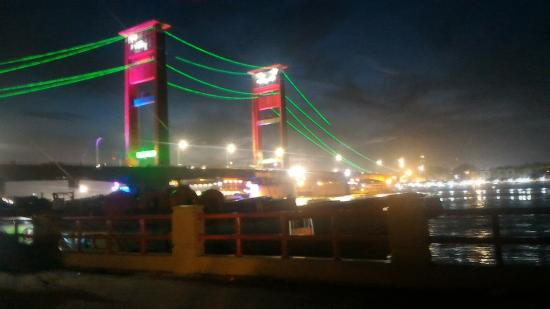 Jembatan Ampera: nighttime atmosphere under the Ampera bridge, in region 10 ulu