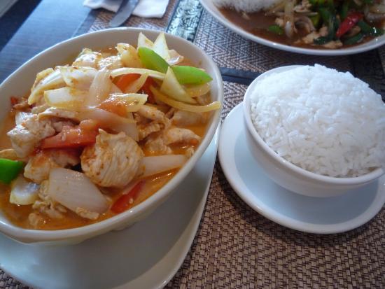 Aiyara family diner chinese restaurant 1027 teron rd for Aiyara thai cuisine ottawa