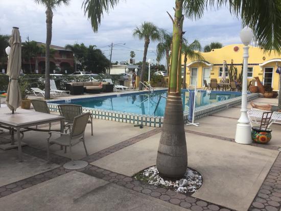 Gulf Tides Inn Photo1 Jpg
