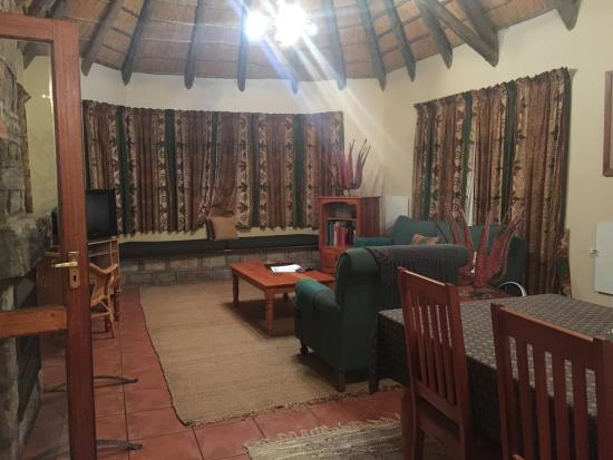 uKhahlamba-Drakensberg Park, South Africa: the lounge area of our cottage
