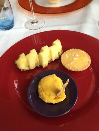 Bex, Suiza: trio de desserts