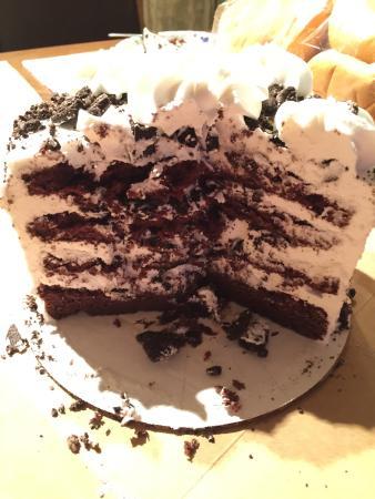 Kenosha, WI: Cookies and cream cake! Delish!