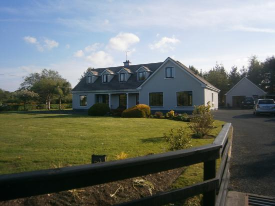 Crossriver Bed & Breakfast Photo