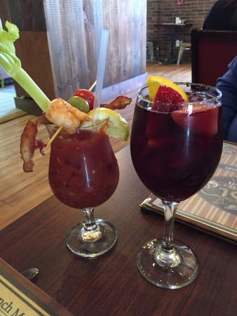 Patchogue, نيويورك: Lunch Drinks!