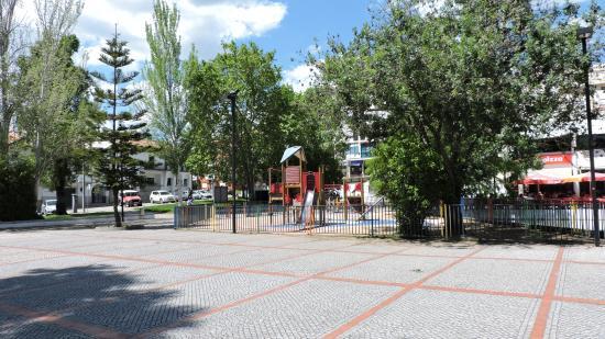 Portalegre, Portugal: Parque infantil adjacente