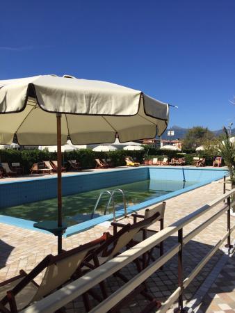 Bagno acqua azzurra viareggio ristorante recensioni numero di telefono foto tripadvisor - Bagno roma viareggio ...