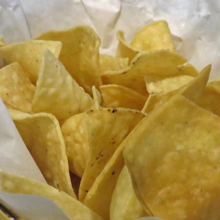 Manteca, CA: Crisp chips with taste salsa, not too hot
