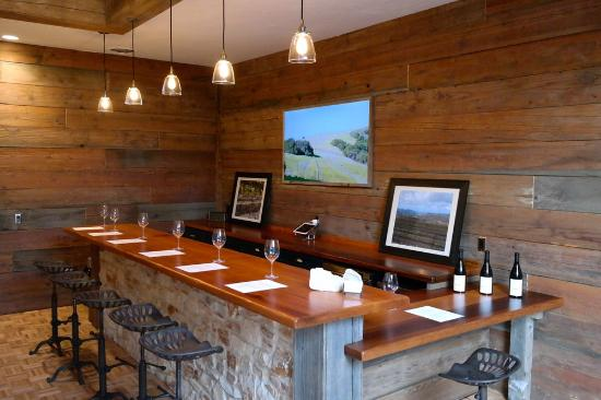 ‪Albatross Ridge Tasting Room‬