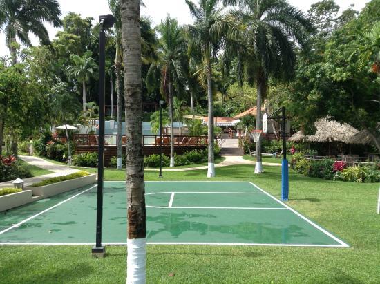 Sandals Ochi Beach Resort Basketball Court With 2 Restaurants In The Background