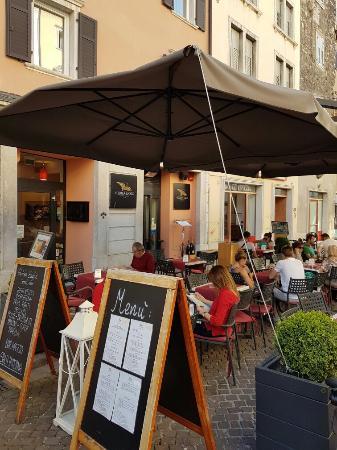 Golden Eagle Street Bar: Un buon aperitivo