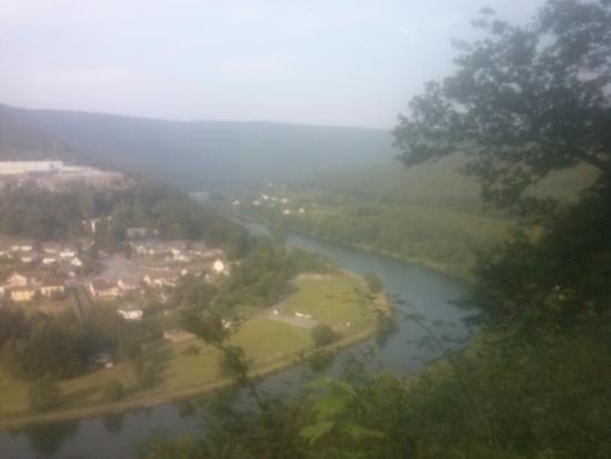 Ardennes, France: Les méandres de la Meuse, vue de la colline qui fait face à notre maison,de l'autre côté de la M