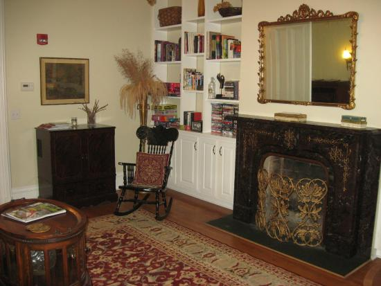 Mount Merino Manor : The formal living room/parlor features one of the home's seven fireplaces.
