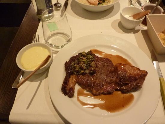 Caius : +€17のステーキ おおきい。shearした