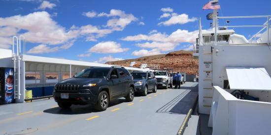 Bullfrog, UT: Vehicles on ferry