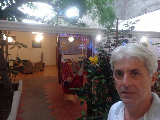 Hotel España: Área no térreo, para bate-papo, acesso à internet e recreação.