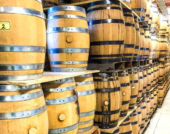 Bremerton, واشنطن: Ageing barrels