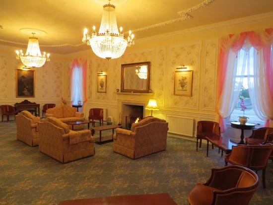Chandelier lounge picture of glenesk hotel edzell tripadvisor glenesk hotel chandelier lounge aloadofball Choice Image